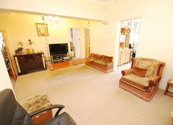 Thumbnail 4 bed flat to rent in South Ealing Road, Ealing, London