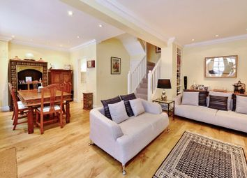 Thumbnail 2 bed mews house to rent in Warwick Square Mews, Pimlico, London