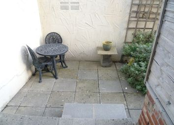 Thumbnail 3 bed flat to rent in Ecclesall Road South, Banner Cross