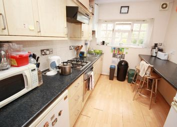 Room to rent in Carlisle Avenue, East Acton, London W3