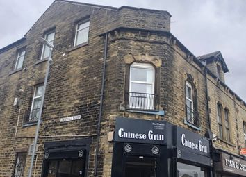 3 bed flat to rent in King Cross Road, Halifax HX1