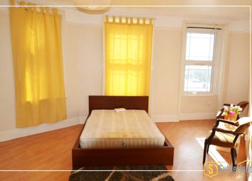 Thumbnail Room to rent in Castle Hill Parade, The Avenue, London