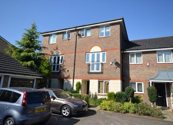 Thumbnail 5 bed property to rent in Quarles Park Road, Chadwell Heath, Romford