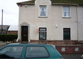 Thumbnail 2 bed flat to rent in Blyth Street, Kirkcaldy