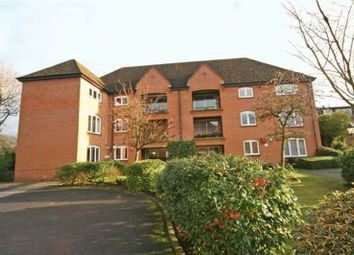 Thumbnail 2 bed flat to rent in Reynolds Road, Beaconsfield