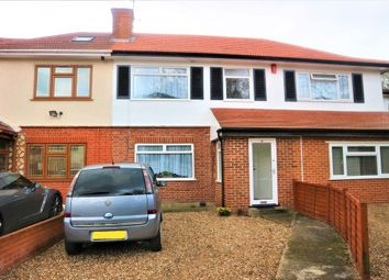 3 bed property for sale in Blackpool Gardens, Hayes UB4