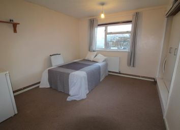 Thumbnail Property to rent in Elvington Lane, London