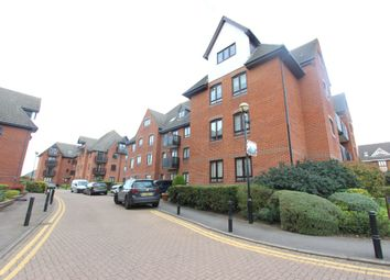Thumbnail 3 bedroom flat to rent in Epping New Road, Buckhurst Hill, Essex