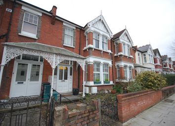 Thumbnail 2 bedroom flat to rent in Belsize Avenue, Bowes Park, London