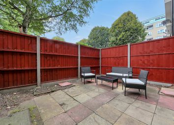 4 bed maisonette to rent in Cooks Road, Kennington SE17
