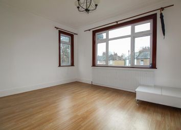 3 bed flat to rent in Ridge Terrace, Green Lanes, London N21