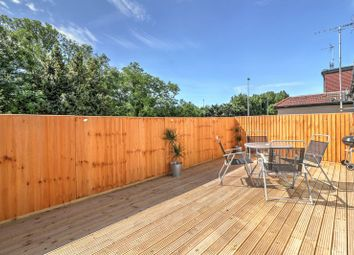 Thumbnail 2 bedroom flat for sale in Cricklewood Lane, London