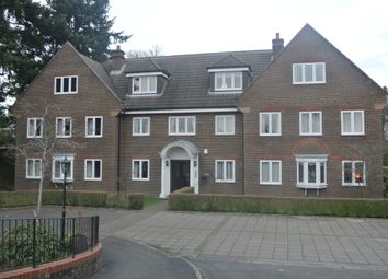 Thumbnail 3 bed flat to rent in Frensham Road, Farnham