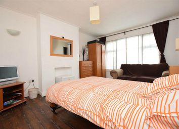 Thumbnail Room to rent in Western Avenue, Greenford, Greater London