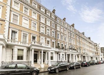Thumbnail 2 bed flat to rent in Southwell Gardens, London