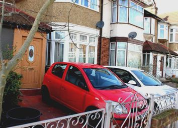 Thumbnail 2 bedroom flat to rent in Wanstead Park Road, Cranbrook, Ilford