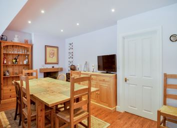 Thumbnail 6 bedroom terraced house for sale in The Garth, Yarnton, Kidlington