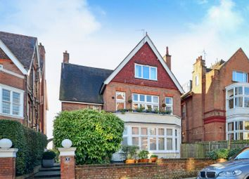 Thumbnail 3 bed flat to rent in Lindfield Gardens, Hampstead