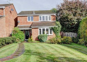 Thumbnail 3 bed detached house to rent in Redshots Close, Marlow
