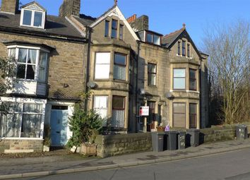 2 bed flat to rent in Fairfield Road, Buxton, Derbyshire SK17