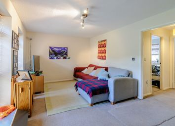Thumbnail 1 bed maisonette for sale in 128 Fleetham Gardens, Reading, Wokingham