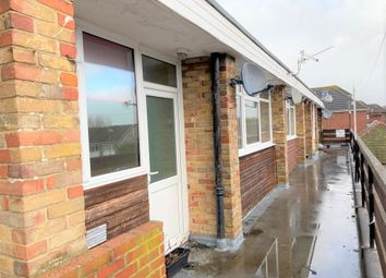 2 bed flat to rent in Highlands Road, Fareham PO15