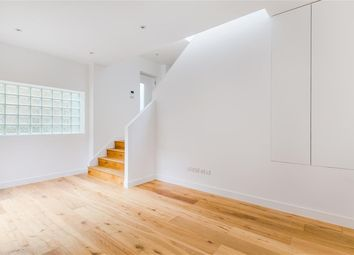 Thumbnail 2 bed mews house to rent in Stoke Newington High Street, London