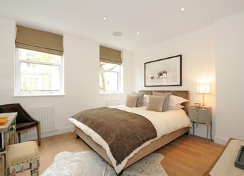 Thumbnail 2 bedroom flat to rent in Marloes Road, London