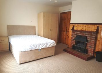 Thumbnail 1 bed property to rent in Longfield Road, Winchester