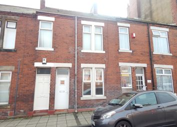 Thumbnail 1 bed flat to rent in Middle Street, Byker