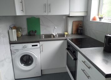 Thumbnail 2 bed flat to rent in Leeside Crescent, London