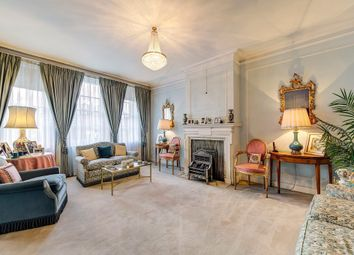 Thumbnail 5 bedroom flat for sale in Warwick Gardens, London
