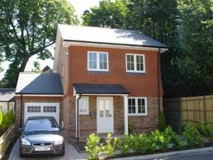 Thumbnail 3 bedroom detached house to rent in Church Road, Worth, Crawley