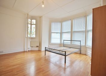 Thumbnail Studio to rent in Dollis Park, Finchley Central