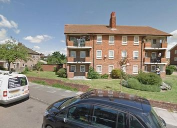 Thumbnail 1 bed flat to rent in Aragon Drive, Ilford