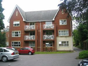 Thumbnail 2 bed flat to rent in Hulse Road, Southampton