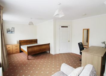 Thumbnail 1 bed property to rent in Priest Hill, Caversham, Reading