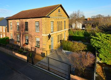 North Court Road, Wingham, Canterbury CT3. 4 bed detached house