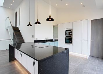 Thumbnail 5 bed property to rent in Old Park Ride, Cheshunt, Waltham Cross