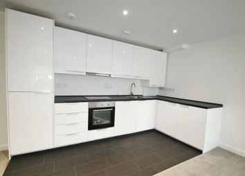 Thumbnail 1 bed flat to rent in Cliffe Road, South Croydon