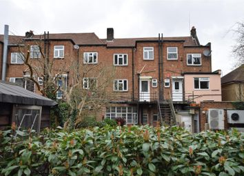 3 bed flat to rent in The Broadway, Croydon CR0