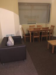 4 bed flat to rent in Phillips Parade, Swansea SA1