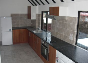 2 bed flat to rent in The Hornet, Chichester PO19