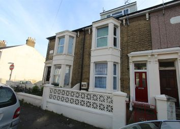 Thumbnail Studio to rent in Strode Crescent, Sheerness
