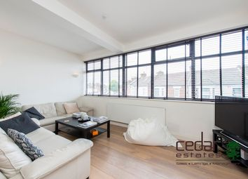 Thumbnail 4 bed flat to rent in Villiers Road, London
