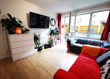 2 bed maisonette to rent in Southern Grove, Mile End, East London E3