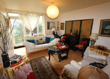 Thumbnail 3 bed maisonette to rent in Moorland Road, London