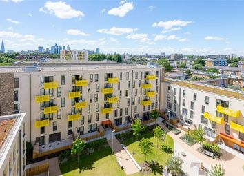 Thumbnail 1 bedroom flat for sale in Sculpture House, 4 Killick Way, London