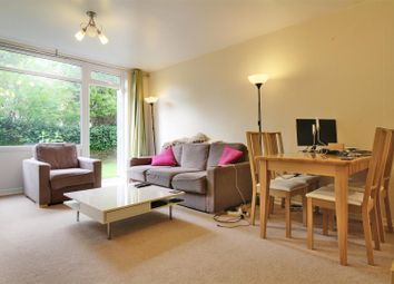 2 bed maisonette to rent in Carlton Drive, London SW15