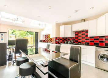 Thumbnail 3 bed property for sale in Sparkes Close, Bromley South